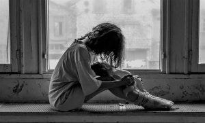 Cos'è la solitudine e come combatterla: piccolo vademecum per sentirsi meno soli