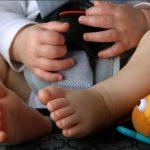 Bimbi lasciati in auto,  cos'è la Forgotten Baby Syndrome