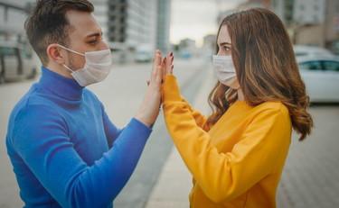 #IoRestoACasa Il sesso e l'amore ai tempi del Coronavirus. Ne abbiamo parlato con le sessuologhe Roberta Rossi e Chiara Simonelli