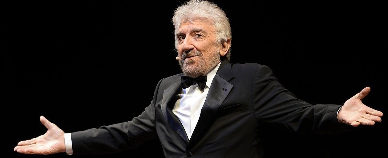 Gigi Proietti, oggi tutta l'Italia s'inchina, ti applaude e piange